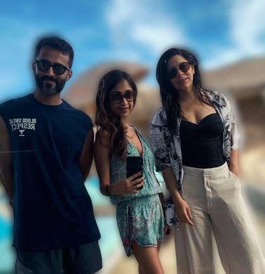 Bollywood Actress Sonam Kapoor न Maldives ज कर बहन Rhea Kapoor और अपन पत क स थ क ख ब मस त Trending Entertainment Bollywood Actress Bollywood