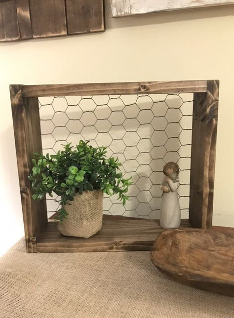 Rustic Wall Shelves, Rustic Walls, Wire Shelves, Wood Shelf, Country Shelves, Chicken Wire Crafts, Chicken Wire Frame, Rustic Farmhouse Decor, Farmhouse Furniture
