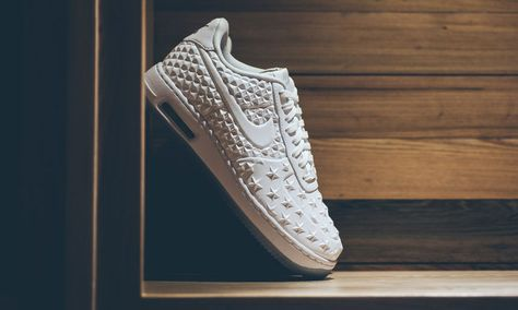 0d329bcdaa An interesting new Nike Air Force 1 Elite has released over the weekend.  The iconic low top sneaker comes with a new premium 3D treatment.