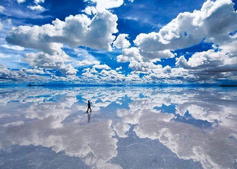 World's largest salt flat in Salar de Uyuni Bolivia [x-post r/CantBelieveThatsReal] Bolivia Salt Flats, Bolivia Travel, Bahamas, Beautiful Places To Travel, Nature Scenes, Natural Wonders, Dream Vacations, Places To See, Worlds Largest