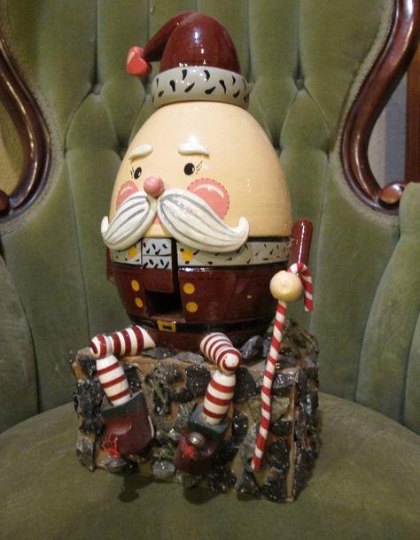 Humpty Dumpty santa nutcracker