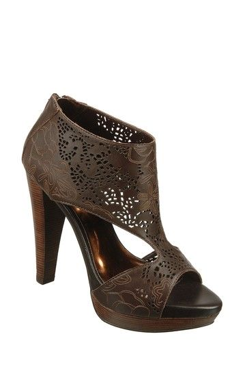 I cannot get enough of Carlos Santana's shoes. Seriously. These are so perfect for almost any of my summer dresses.