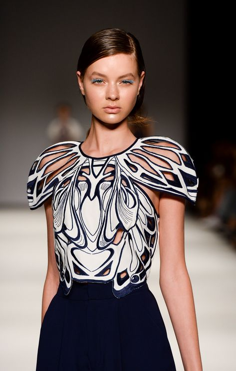 Alice McCALL Medusa Crop find it and other fashion trends. Online shopping for Alice McCALL clothing. The heart stopping Medusa Crop from Alice McCALL has.