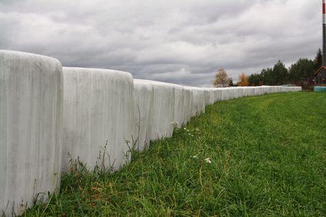 Balíky sena... Bales of hay...