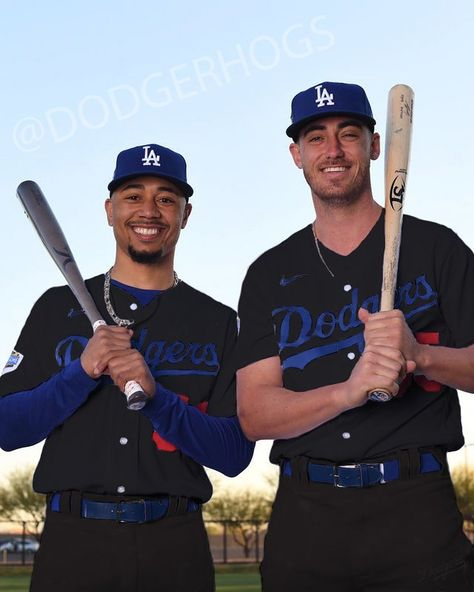 Baseball Guys, Dodgers Baseball, Baseball Lifestyle, Baseball Wallpaper, Cody Bellinger, I Love La, Dodger Blue, Ml B, Los Angeles Dodgers