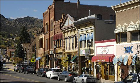 The town of Manitou Springs sits just West of Colorado Springs at the base of Pikes Peak. Yes, there are mineral spring fountains, located throughout this Hi.