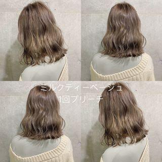 画像に含まれている可能性があるもの 1人以上 ヘアスタイリング ヘアスタイル ロング 髪 色