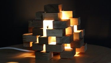 Diy Klotzchen Lampe Aus Holz Lampen Aus Holz Lampe Selber Bauen Lampe Holz Selber Machen