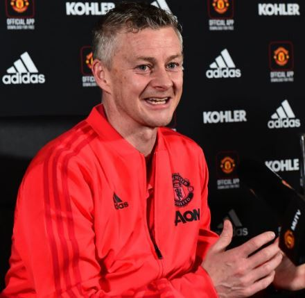 Ole Gunnar Solskjaer Becomes The First Manchester United Manager To Win Premier League Manager Of The Mont Ole Gunnar Solskjaer Sir Alex Ferguson Premier League