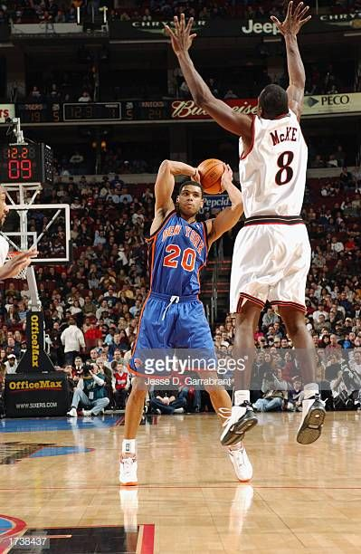 Allan Houston Of The New York Knicks Looks To Pass As Aaron Mckie Of The Philadelphia 76ers Defends During The Nba Game At Knicks Allan Houston New York Knicks