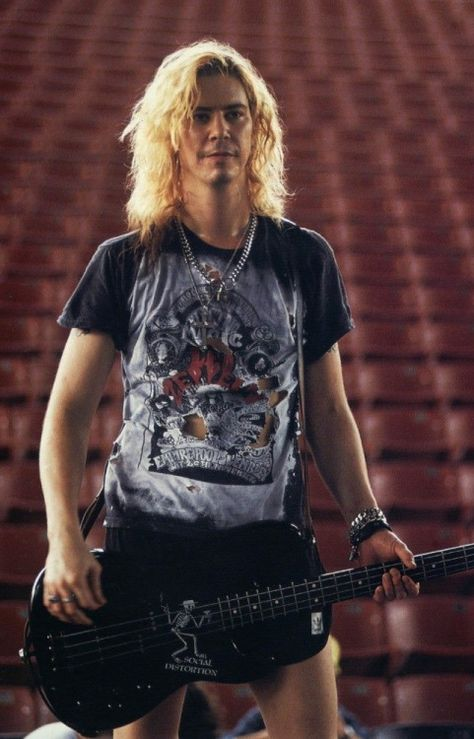 Duff McKagan in an arena wearing a cool shirt!