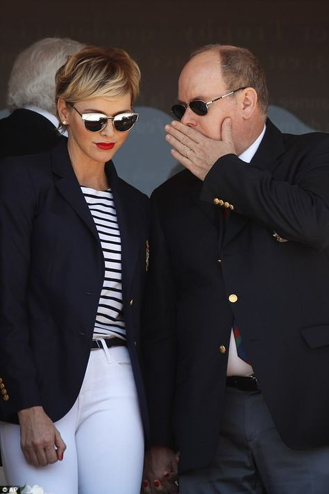 Princess Charlene rocked nautical chic today as she attended the men's singles final match at the Monte Carlo Tennis Masters tournament in Monaco with Prince Albert Fürstin Charlene, Princesa Charlene, Grace Kelly, Monte Carlo Tennis, Short Hair Cuts, Short Hair Styles, Casual Outfits, Summer Outfits, Kelly Monaco