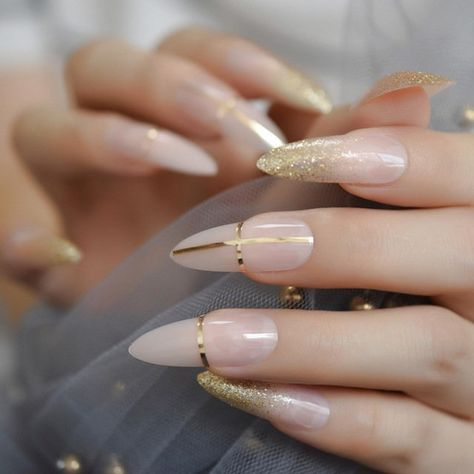 Gold Coffin Nails, Cute Acrylic Nails, Glue On Nails, Nude Nails, Gold Tip Nails, Purple Nails, Garra, Nail Length, Nagellack Trends