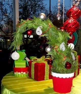 Found On Bing From Www Pinterest Com Whoville Christmas Decorations Christmas Whoville Christmas