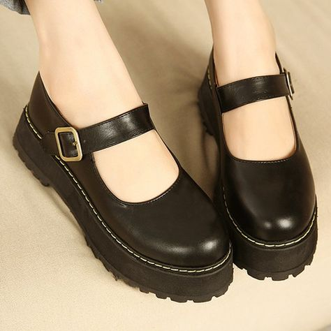 Harajuku college wind platform shoes from Women Fashion - Clothes - Schuhe Aesthetic Shoes, Aesthetic Clothes, Cute Shoes, Me Too Shoes, Fashion Shoes, Fashion Accessories, Rock Fashion, Fashion Fashion, Fashion Dresses