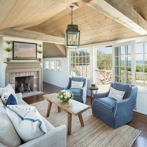 The Best Interior Design Advice In The World - Cute Home Designs Coastal Living Rooms, Living Room Interior, Home Living Room, Living Room Designs, Living Room Decor, Beach Cottage Style, Beach Cottage Decor, Coastal Cottage, Coastal Style