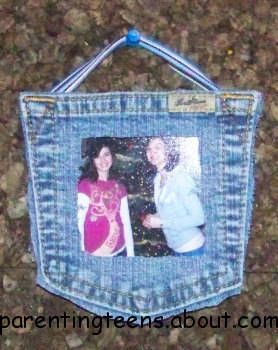 A fun denim blue jean picture frame that your teen can use to hang pictures of friends in their room. Hang just one or make it part of a collage on your teen's bedroom wall.    You'll need:        A back pocket of an old pair of jeans      6 to 8 inches of gross grain ribbon      Needle and thread      Scissors