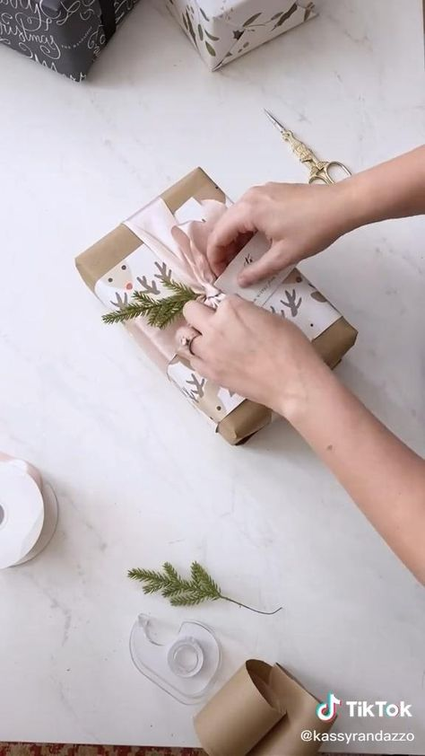 WRAPPING PRESENTS DIY