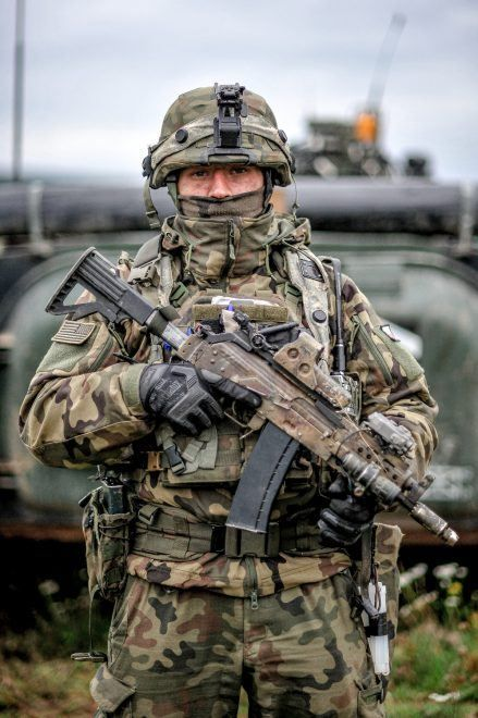 Potd Polish Armed Forces At Exercise Saber Junction 2019 The Firearm Blog In 2020 Military Soldiers Military Pictures Army Images