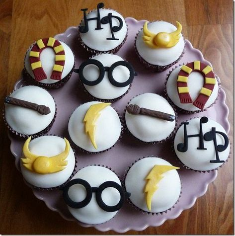 Harry Potter cupcakes I might just make these for Sarah on her birthday or it could be like a craft the next time I'm down there!