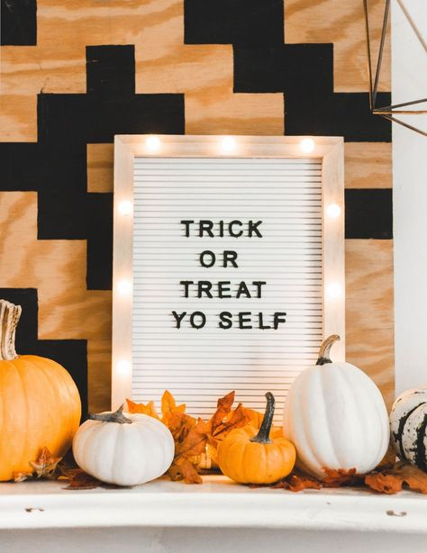 Funny Fall Quotes, Cute Quotes, Fall Sayings, Funny Halloween Quotes, Happy Halloween, Halloween Treats To Make, Fall Memes, Halloween Prop, Halloween Witches
