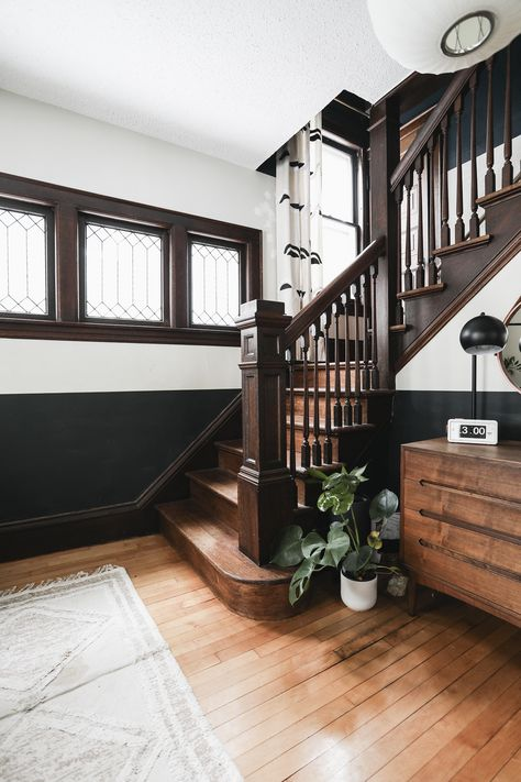 Designing for a contiguous stairwell that connects to an second floor hallway, landing, and main floor entryway Modern Staircase, Staircase Architecture, Spiral Staircases, Staircase Design, Interior Architecture, Interior Design, Narrow Hallway Decorating, Second Floor, Stairways