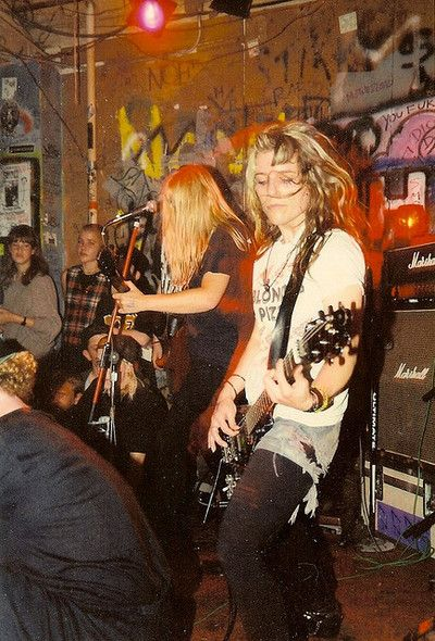 Music Mix, Music Icon, L7 Band, Grunge, Angry Girl, Women Of Rock, Teenage Dirtbag, Courtney Love, Riot Grrrl
