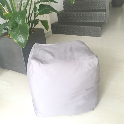 Pouf square of fabric