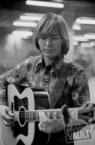 I want John Denver's shirt in this picture, I love that man!!!!!!!!