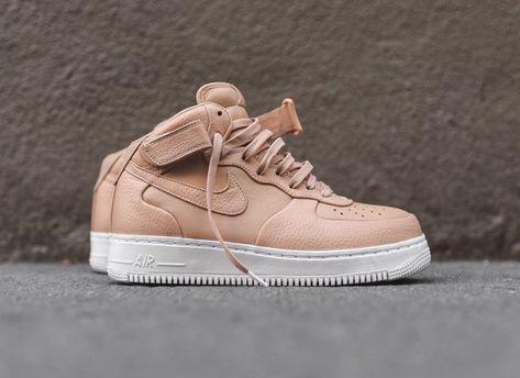 chaussure-nike-air-force-1-mi-montante-cuir-premium-beige-1 | Nike ...
