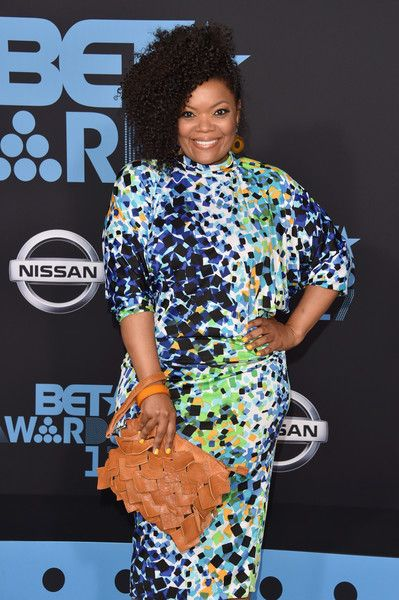 Yvette Nicole Brown attends the 2017 BET Awards.