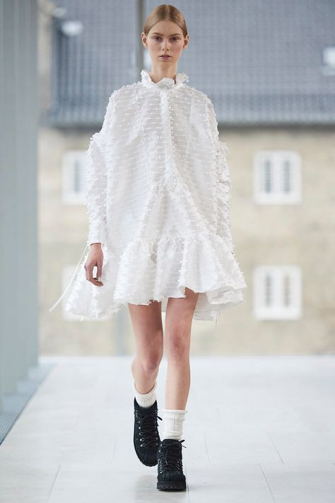 Cecilie Bahnsen The New Nordic Fashion Brand You Need To Know Little Scandinavian Fashion High Fashion Street Style Scandinavian Fashion