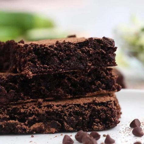 Healthy Flourless Zucchini Brownies made with no oil or butter!