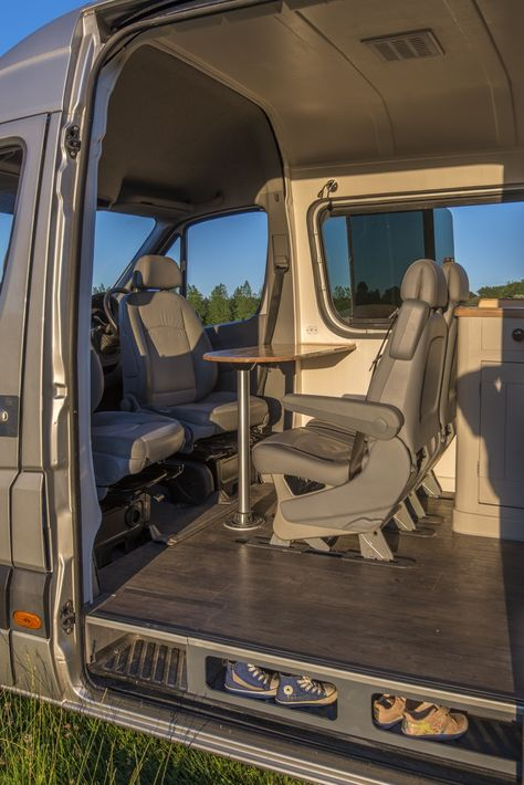 This Ordinary Van Has Been Turned Into an Amazing Tiny Home