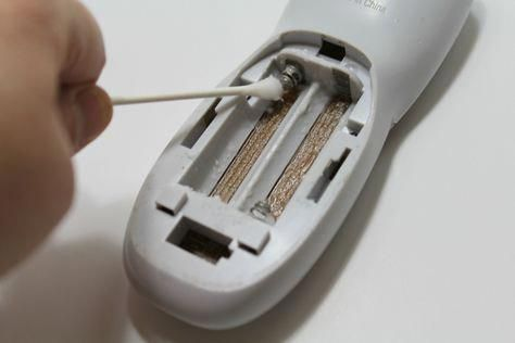 How To Clean Battery Acid >> How To Clean Battery Corrosion Fix Remote Corroded