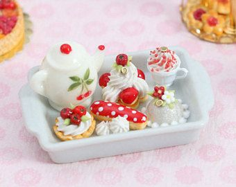 6x Mix Christmas Cupcake Ceramic Tray Dollhouse Miniatures Bakery Barbie Decor