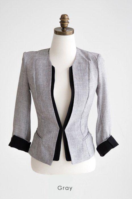 白ノーカラージャケット 紺ワンピの上品可愛い入園式 卒園式コーデ 花子 ファッションアイデア ファッション 衣類