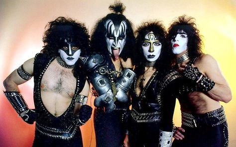 Pin By Russell Duck On Kiss Vinnie Vincent Kiss Rock Bands