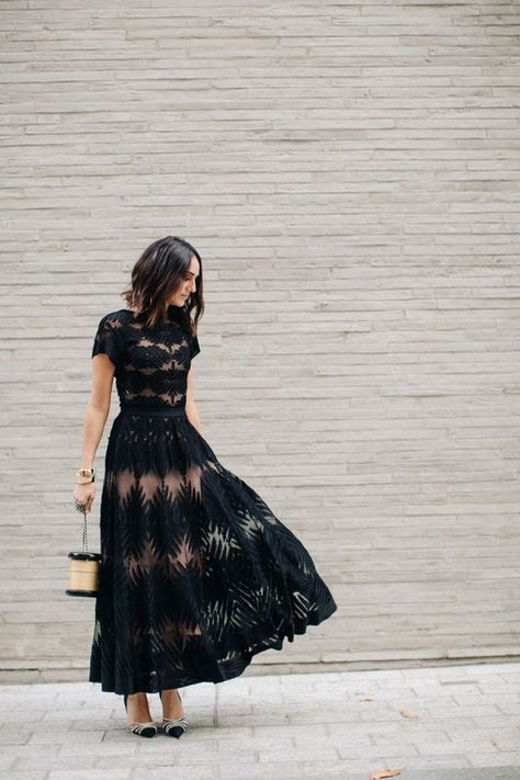 Take a look at the best winter wedding guest dresses in the photos below and get ideas for your outfits! Winter Wedding Guest Dresses We Love – MODwedding Image source Wedding Dress Black, Summer Wedding Outfits, Wedding Party Dresses, Trendy Wedding, Wedding Outfit Guest, Party Outfits, Wedding Summer, Wedding Guest Fashion, Dresses To Wear To A Wedding As A Guest