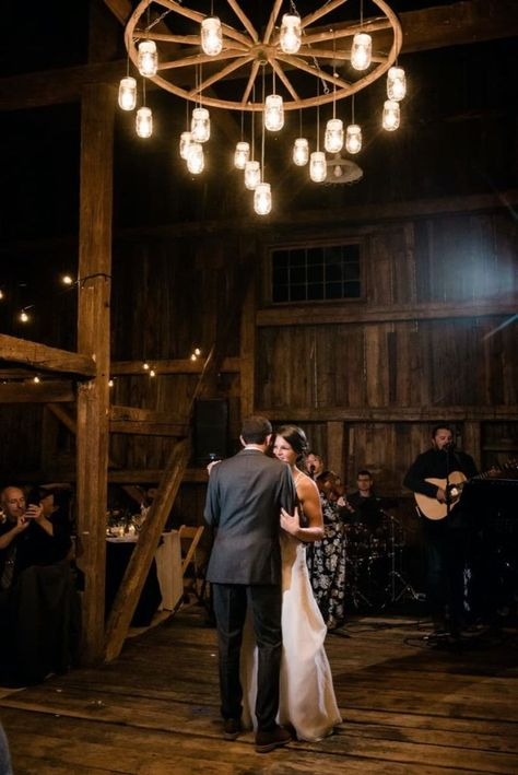 White Mountains Wedding by Events by Sorrell | New England Luxury Wedding Planner and Designer #newenglandwedding #weddingplanner #summerwedding #intimatewedding #rusticwedding #newhampshirewedding #mountainwedding