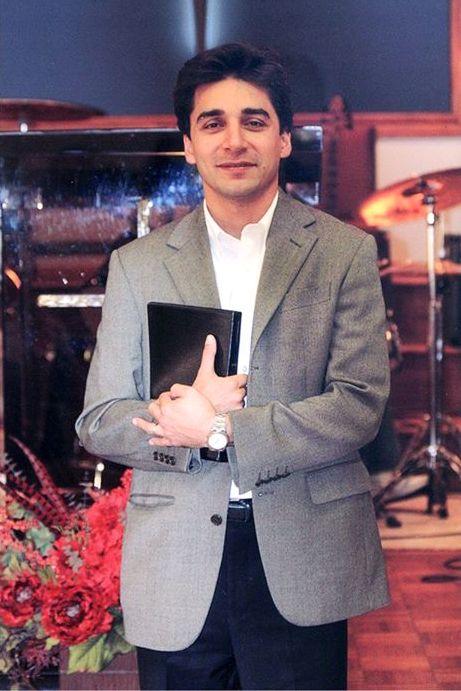 El Pastor Homayoun Shekohi liberado después de 40 meses de prisión en Irán, sin embargo, el Pastor Farshid Fathi (foto) entre otros, siguen en prisión. Oremos por ellos. https://www.puertasabiertas.org/noticias/Iran20150706