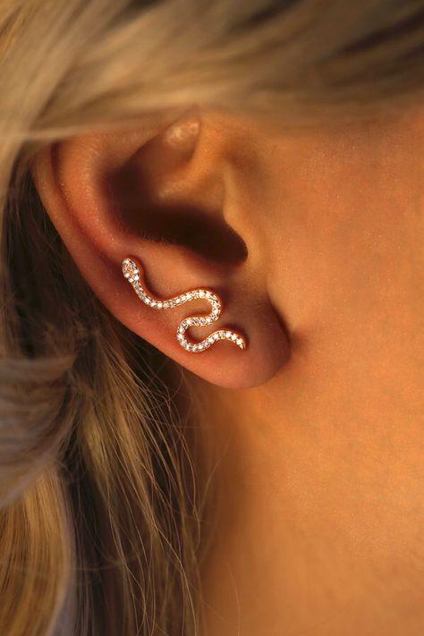 Ear Cuffs Snake Cuff with CZ / Ear Stud / Trendy Earrings / Ear Climber / Mini Ohrstulpen Snake Cuff mit CZ / Ohrstecker / Trendy Ohrringe / Ear Climber / Mini Snake Earrings, Cute Earrings, Crystal Earrings, Diamond Earrings, Ear Earrings, Crystal Jewelry, Golden Earrings, Statement Earrings, Ear Jewelry