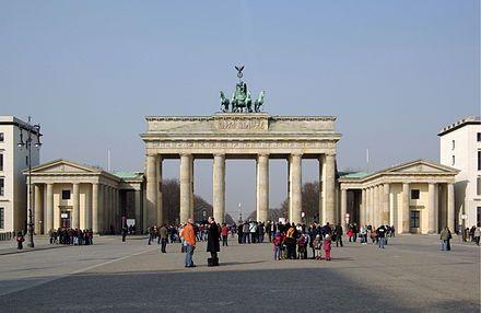 Brandenburger Tor Wikipedia Klassizismus 1770 1830 Brandenburger Tor Und Tore