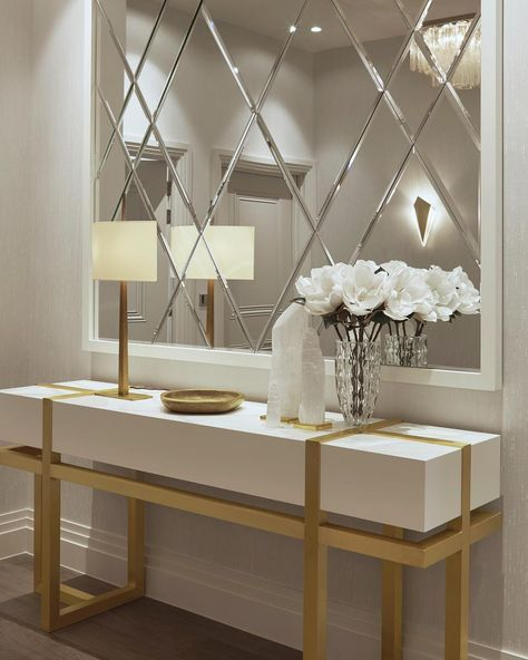 Elicyon On Instagram Console Table And Accessories In An Elegant Scheme Of White And Gold In Our London Pr Hall Decor Entrance Hall Decor Home Entrance Decor
