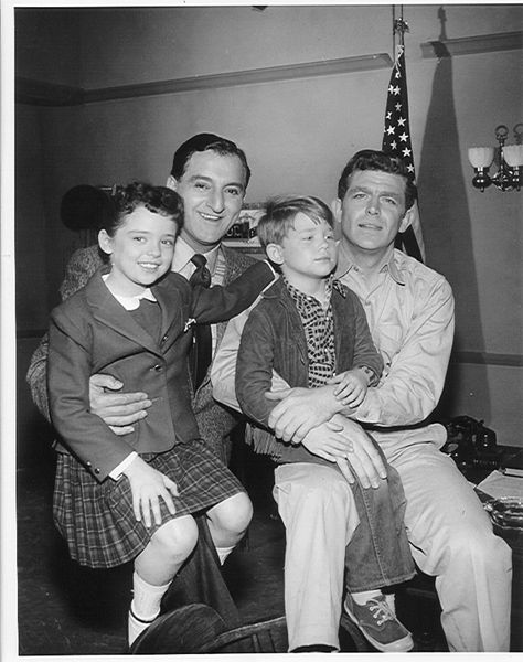 In a 1959 episode of The Danny Thomas Show (1953-57, ABC & 1957-64, CBS, aka known as Make Room for Daddy for its first three seasons), the show introduced small town Sheriff Andy Taylor and his son Opie (Andy Griffith & Ron Howard) who, in 1960, would get their own series, The Andy Griffin Show (1960-68, CBS). Thomas is shown with his TV daughter Linda (Angela Cartwright).