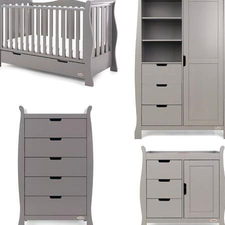 Obaby The Stamford Luxe 4 Piece Nursery Furniture Set Offers Families The Perfectbination Of Style And Pra In 2020 Nursery Furniture Sets Cot Bedding Nursery Furniture
