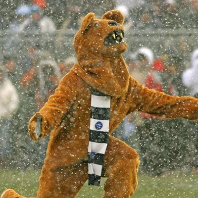 Nittany Lion in Winter VS Sparty 2008