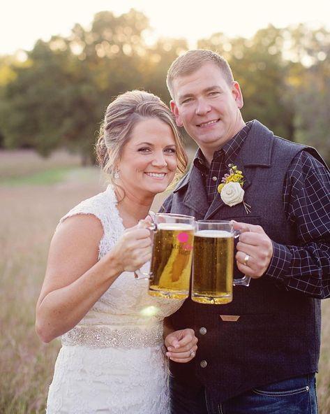 Cheers! It's Saturday and we're ready for a good night! 📸Melissa Shook . . . #hollowhilleventcenter #hollowhill #cheers #reception #bridesofNTX #fortworthwedding #fortworthbride #texasweddingvenues #rusticvenue #fortworthwedding #dallasbride #dfwbride #texaswedding #rusticwedding #rusticweddingvenue #rusticweddingideas #theknothalloffame #saturdaymood #weddingday #weddingseason #barnvenue #weddingsofinstagram #2021wedding #2021weddingseason
