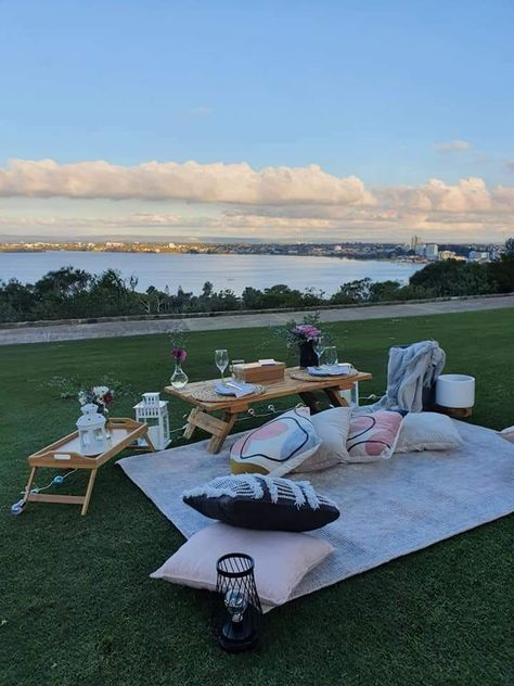 Instead of Glamping, why not a romantic picnic in beautiful Perth.