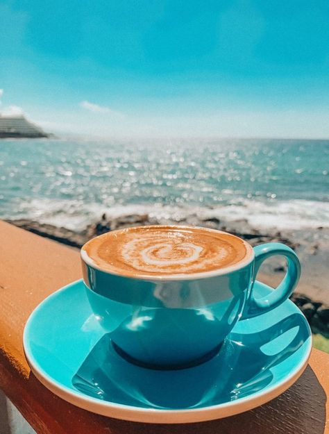 Spending Three Weeks on The Big Island of Hawaii: Kailua Kona - Simply Taralynn Coffee Latte Art, Coffee Is Life, I Love Coffee, Coffee Cafe, My Coffee, Coffee Drinks, Coffee Lovers, Drinking Coffee, Good Morning Coffee